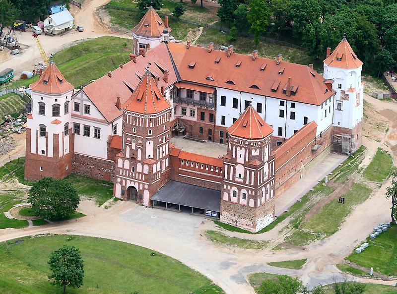Экскурсии в Мирский Замок
